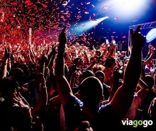 viagogo.com reviews 2019 fans at concert good tickets