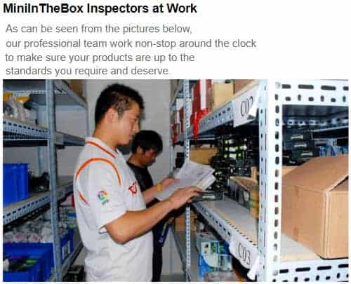miniinthebox-workers-team-reviewing-products